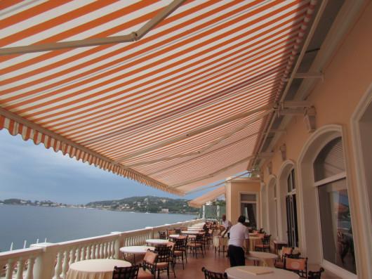 Store banne pour terrasse à Nice PROFERM 06