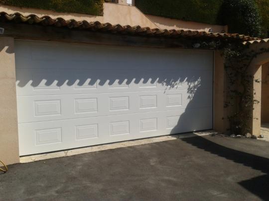 changer sa porte de garage PROFERM 06 à Nice