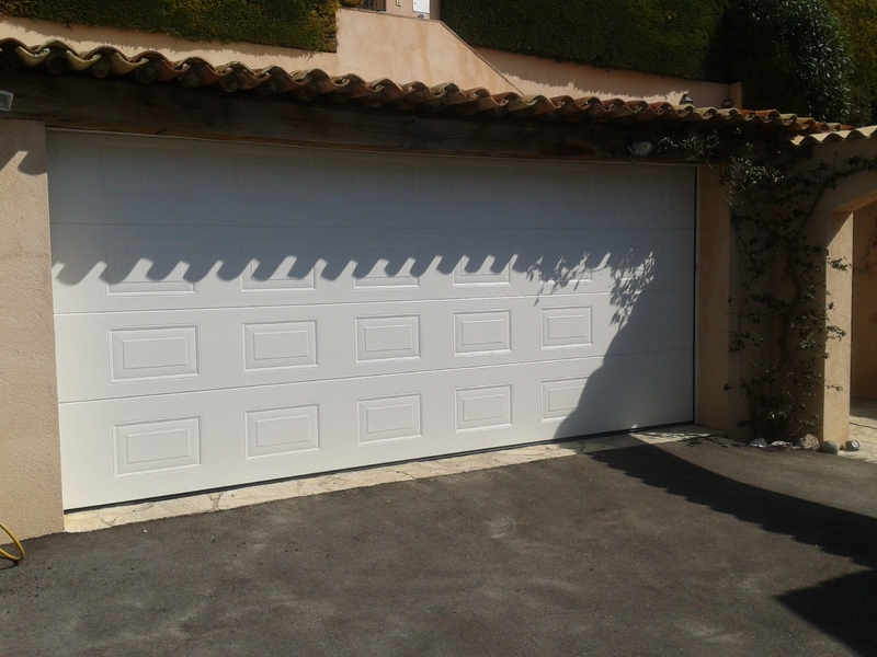 Sp cialiste porte de garage nice pour villa et copropri t for Garage 06 nice