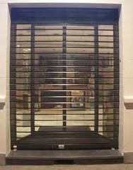 grille extensible métallique de sécurité pour commerce à Nice PROFERM 06